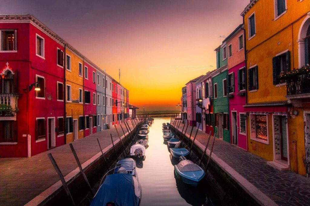 architecture-boats-buildings-417344 (1)